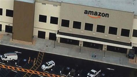 amazon plans hiring   sparrows point center
