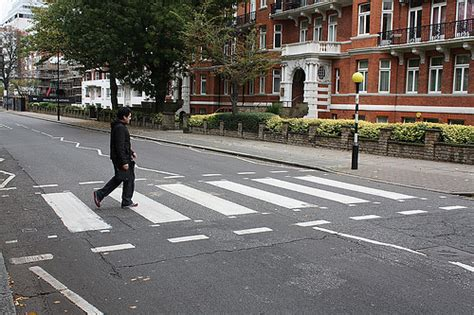 at the crossing where is road in beatles album zebra