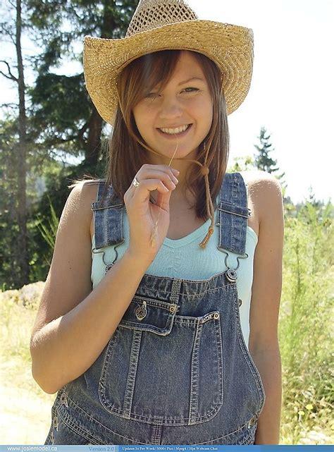 Josie Model Photo