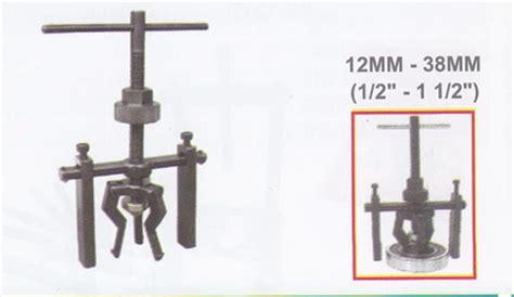 3 Jaw Puller Treker Bearing 3 Kaki Tekiro 12 12in 12 Inci Asli 13 26b inner bore bearing puller 3 jaws wp 06100 products of treker bearing puller
