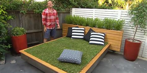 How To Make Garden Furniture by How To Make A Grass Day Bed Garden Furniture Land