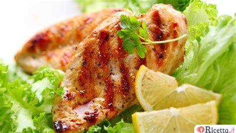 ricette per cucinare i petti di pollo 10 ricette per cucinare il petto di pollo ricetta it