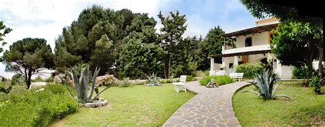 casa giardino appartamenti e a salina in affitto per te vacanze a