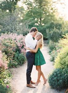 what to wear wedding photographer picture of cool engagement photo ideas 23