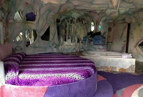 Themed Hotel Rooms Nj | themed hotel rooms weirdest themed fantasy suites in nj