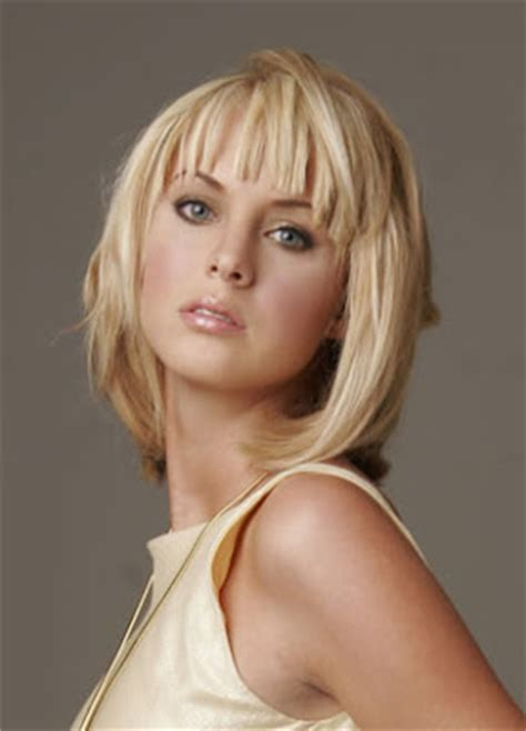 layered shoulder level haircut medium length choppy hairstyles