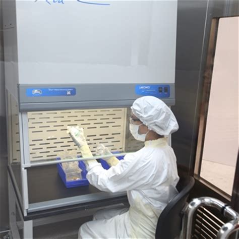 cleaning a biological safety cabinet usp 800 biosafe hazardous compounding cleanroom by terra