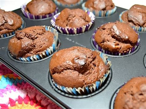 Muffin Hooks 3 friday s muffins with chocolate magic with hook and needles