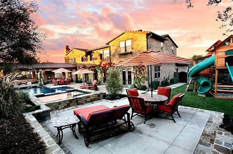 perfect backyard retreat  inspiring backyard design ideas
