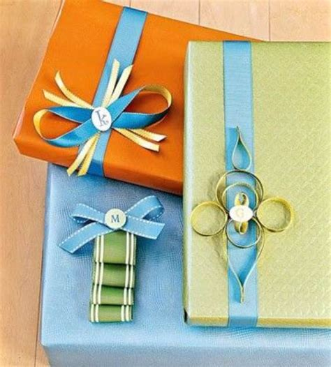 creative ways to wrap christmas gifts 45 creative gift decoration wrapping ideas family net guide to family holidays on the