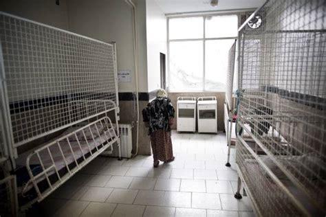 violentata in casa violentata nella casa di riposo