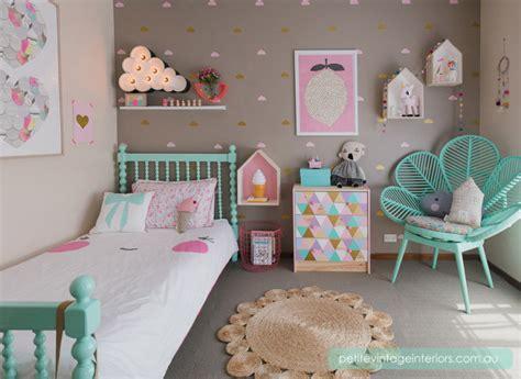 chambre fille pastel vert menthe