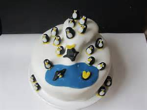 pinguin kuchen penguin themed birthday cake s friendly foods