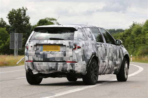 2015 land rover discovery interior spyshots 2015 land rover discovery sport interior