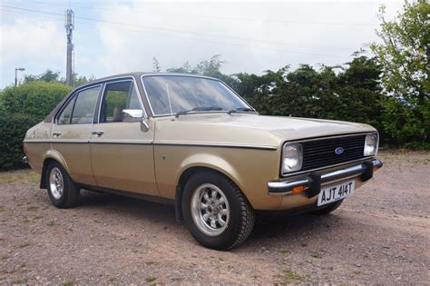 ford escorts ford cars news images websites wiki