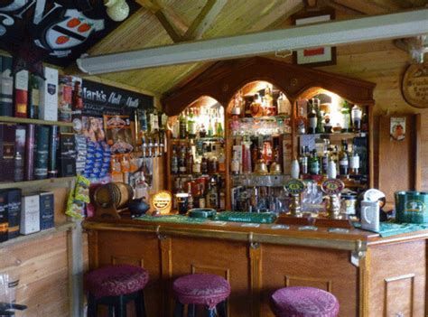 pub   shed  sons touching tribute   late dad
