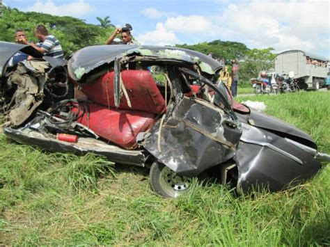 imagenes impactantes de accidentes de transito tres muertos y 27 heridos en accidente en villa clara