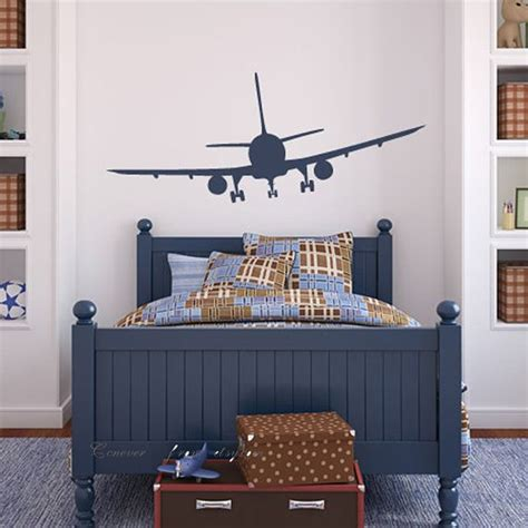 airplane bedroom decor 1000 ideas about airplane bedroom on pinterest boys airplane bedroom airplane room and