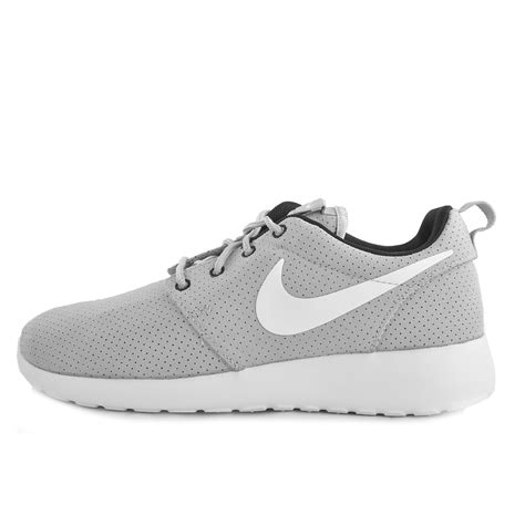 gray nike shoes womens nike roshe run womens grey black