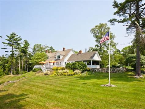 is cape cod in maine tour kirstie alley s maine home decorated with a feminine