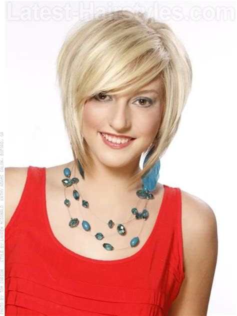 short haircut with lots of volume and backcombing this is a great cut not too short and lots of volume
