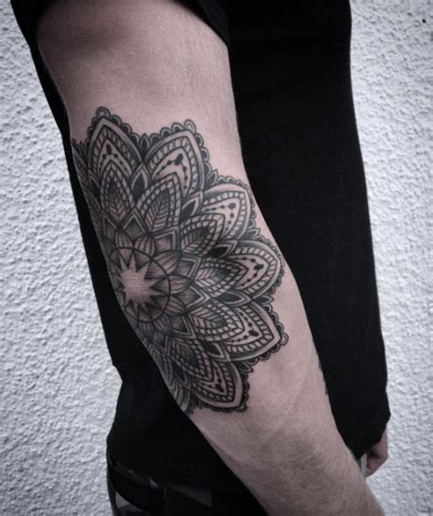 mandala tattoo masculine 40 perfect black and grey ink tattoos for men tattooblend