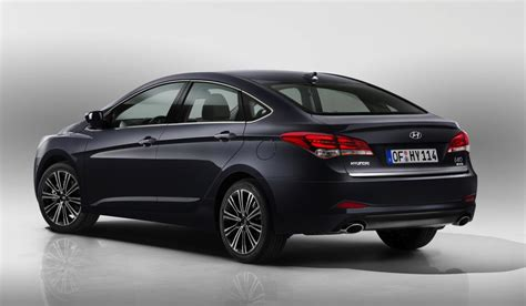 2015 hyundai i40 revealed shows sharp new look