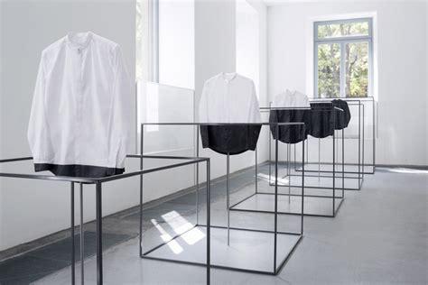 mobili moda cos e nendo installazione design moda fuorisalone