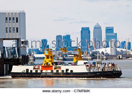 thames river cruise canary wharf woolwich ferry crossing the river thames stock photo
