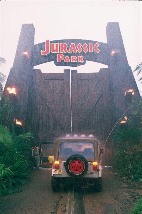 jurassic park la trilogia arriva in bluray cinezapping