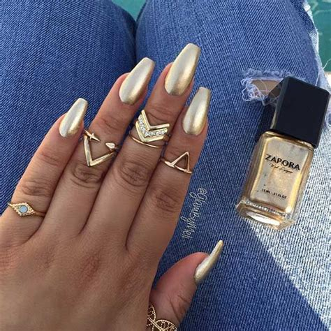Whose Glittering Oscars Earrings Are Most Fab by Best 25 Gold Nails Ideas On Gold Tip Nails