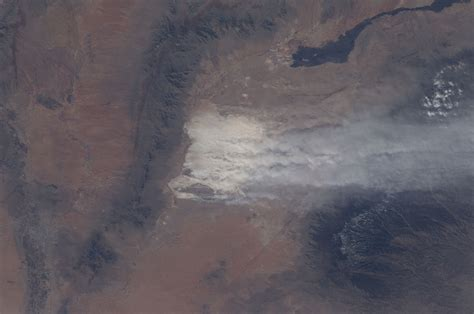 Dust In White file iss 30 dust white sands national monument new
