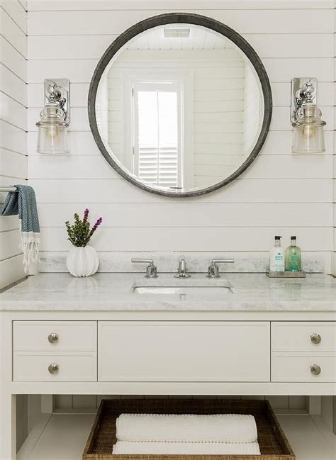 Bathroom Sconce Lighting Ideas by 25 Best Ideas About Bathroom Sconces On Pinterest
