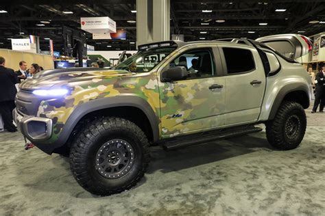 chevrolet army truck gm resurrects the fuel cell for the chevrolet colorado zh2