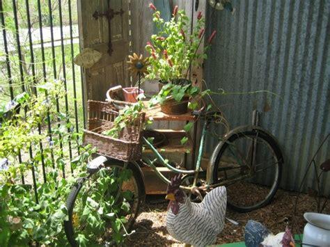 Rostiges Fahrrad Lackieren by Fahrrad Im Garten Rostige Gartendeko Gartendeko