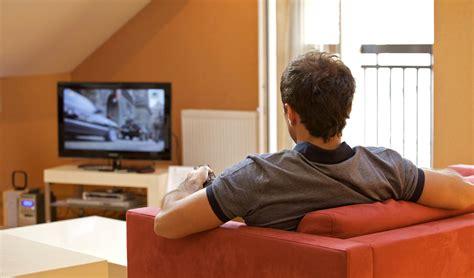 imagenes graciosas viendo television por cada 2 horas de tv se incrementa 20 el riesgo de