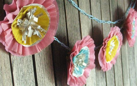 How To Make Crepe Paper Garland - i pulled out my stash of vintage crepe paper and a needle