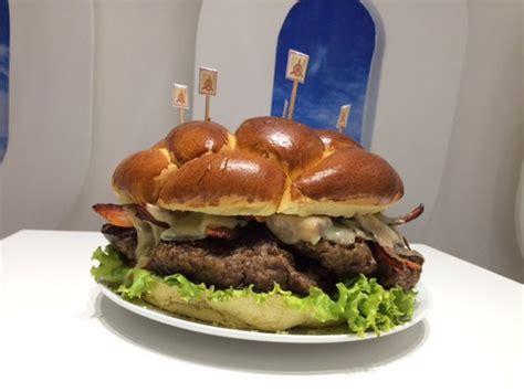 Orry Jumbo Wings F A g1 restaurante desafia clientes a comer hamb 250 rguer de 2 4 kg 1 186 desistiu not 237 cias em