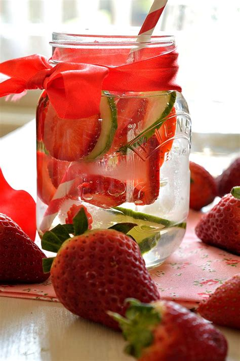 Detox No Such Thing by Belly Slimming Fruit Detox Drink