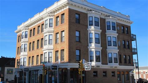 Apartment Building East Side East Side Apartment Retail Building Sells For 2 5