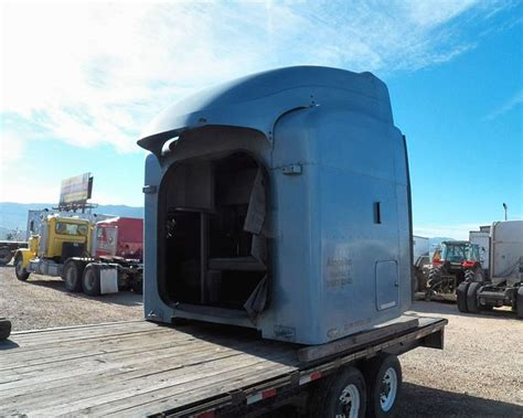 Peterbilt Unibilt Sleeper by Object Moved