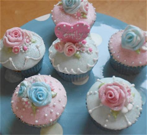 Decorated Cake Vintage Decorated Cupcakes Blue And Pink Vintage Style