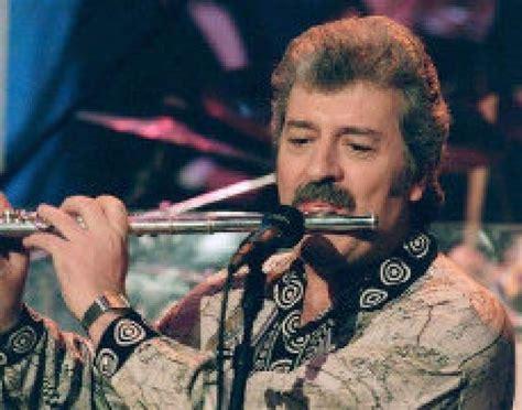 ray thomas  british rockers  moody blues dies  star