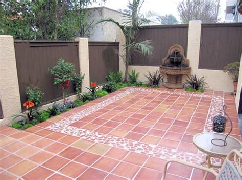 Outdoor Flooring Ideas 25 Best Patio Tiles Ideas On Patio Corner Decoracion De Suelos De Exterior Con