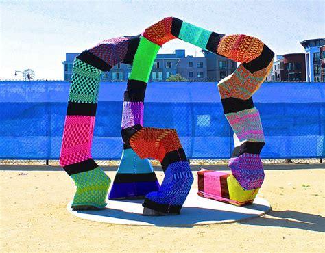 knit bombing yarn bombing 101 how to yarn bomb in 5 steps