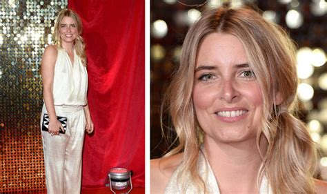 actress emma atkins emmerdale actress emma atkins on charity dingle express