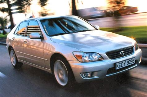 2001 lexus is300 review lexus is 300 2001 2005 used car review review car