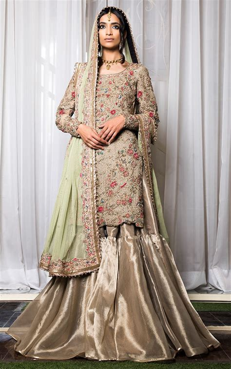15 Latest Pakistani Bridal Lehenga Designs 2018   Dresses