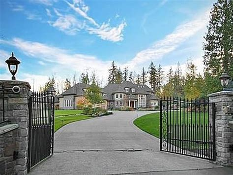richard sherman house the 15 most incredible homes owned by nfl players