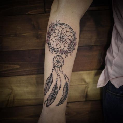 dreamcatcher tattoo unterarm 80 best dreamcatcher tattoo designs meanings dive